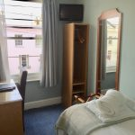 Single room with bed, desk, TV, WiFi, Coffee and Tea tray in central Cheltenham